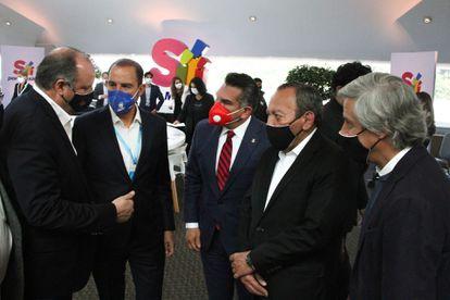 Marko Cortés, presidente del PAN, Alejando Moreno, presidente del PRI y Jesús Zambrano, presidente del PRD, en la Convención Sí por México.