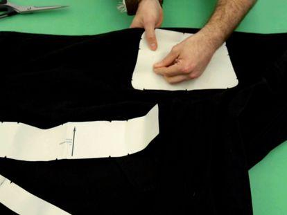 VÍDEO: Manual para construir un bolso sostenible con Luis López-Aranguren.