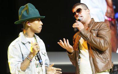 Pharrell Williams y Robin Thicke cantando 'Blurred lines' en Arkansas en 2013, antes de que la canción se convirtiese en maldita.
