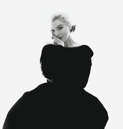 Para su última sesión de fotos, Marilyn vistió un vestido negro de Christian Dior, con el que posteriormente apareció de forma póstuma en el número de septiembre de 1962 de la revista 'Vogue'.