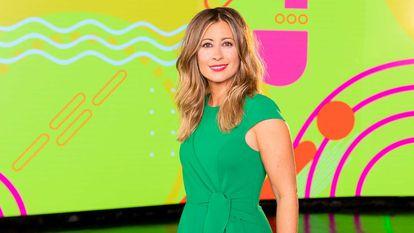 La presentadora Inés Paz, en el plató del programa veraniego de La 1 'Días de verano'.