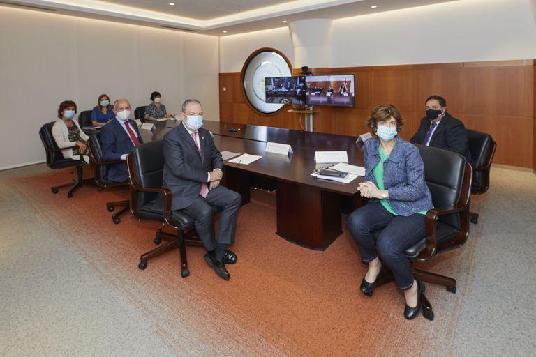 La delegación del Gobierno vasco en la reunión de este jueves con la ministra de Política Territorial, Carolina Darias.
