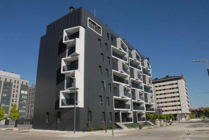 Viviendas construidas en el barrio de Soto de Lezkairu (Pamplona) por VArquitectos.