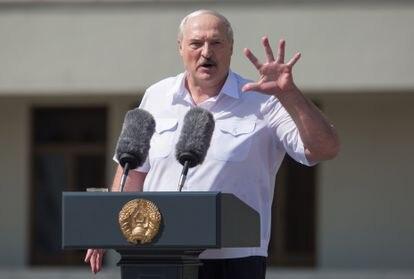 Lukashenko, durante el discurso ante sus seguidores, este domingo en Minsk.