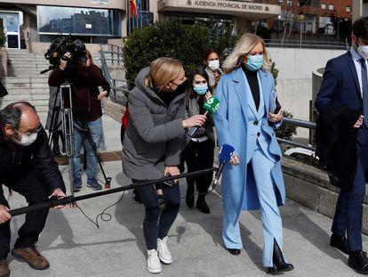 La expresidenta madrileña Cristina Cifuentes sale de la Audiencia Provincial, el 15 de febrero pasado.