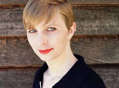 Foto de Chelsea Manning publicada en su cuenta de Twitter al día siguiente de salir de prisión.