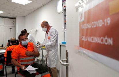 Vacunación en la Comunidad Valenciana, en la sede de una empresa de agricultura.