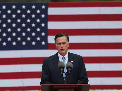 Mitt Romney ofrece un discurso de campaña en New Hampshire.