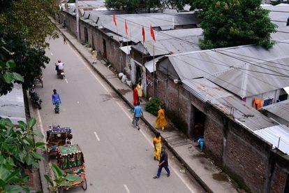Una calle junto al burdel de Kandapara, en Tangail.