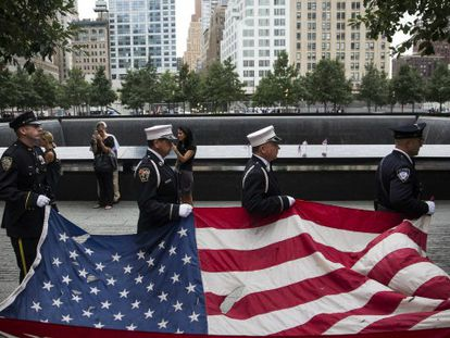 En la foto (Efe), el memorial dedicado a las víctimas del atentado en Nueva York | Vídeo: Reuters