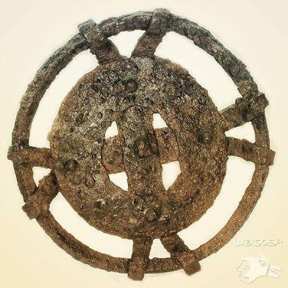 Tedero de hierro hallado en el barrio iberorromano de Libisosa, de unos 2.100 años de antigüedad.