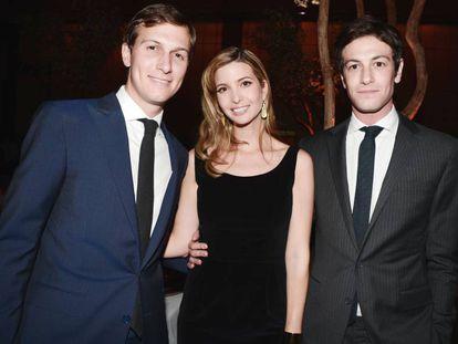 Jared Kushner, Ivanka Trump y Joshua Kushner, en un acto en Nueva York en marzo de 2013.