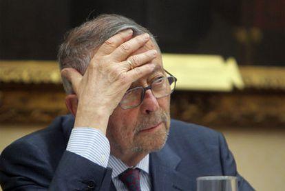 Alberto Oliart en una comparecencia en el Congreso de los Diputados.