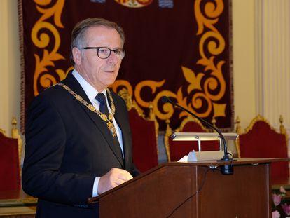 Eduardo de Castro, en su toma posesión como presidente de la Ciudad Autónoma de Melilla. Foto Antonio Ruiz