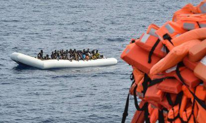 Migrantes atendidos en el Mediterráneo.