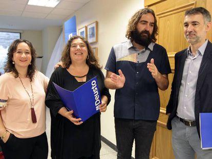 Los autores del Deustobarómetro, Iratxe Arístegi, María Silvestre, Braulio Gómez y Eduardo Ruiz.