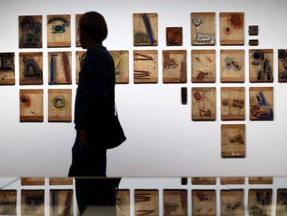 La Fundación Miró de Barcelona expone el proceso de creación de la muestra 'Éluard, Cramer, Miró- À toute épreuve'.