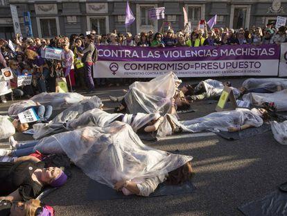 Protesta por la falta de presupuestos para el Pacto de Estado contra la Violencia de Genero, el pasado mayo.