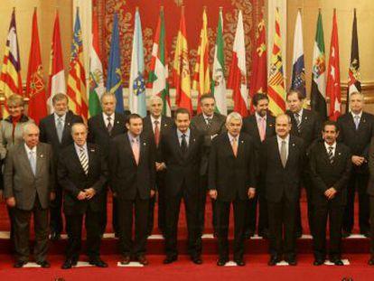 Foto de familia de la I Conferencia de Presidentes.