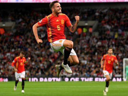 Saúl celebra su gol en Wembley.