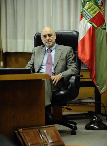 Rodolfo Ares, en su despacho en el Gobierno vasco.