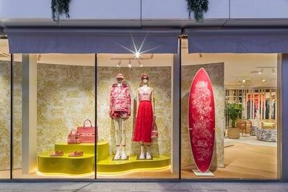 Dior ha abierto su tienda 'pop up' a pocos metros del puerto de Ibiza.