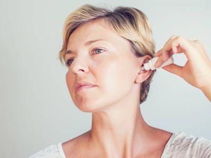 Si los bastoncillos son malos, ¿puedo entonces usar gotas para limpiar el oído?