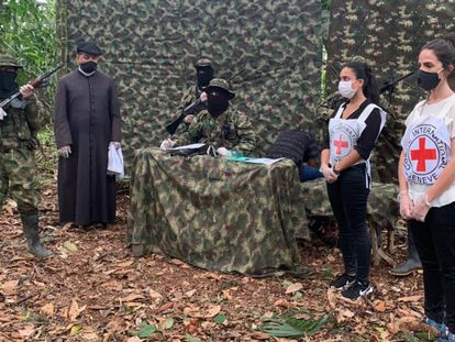 El Clan del Golfo libera a un menor de edad en una operación humanitaria en Antioquia.