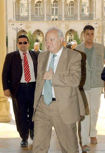 El ministro español de Exteriores Miguel Angel Moratinos, a su llegada al Palacio de Gobierno para mantener una reunión con el primer ministro libanés, Fuad Siniora en Beirut.
