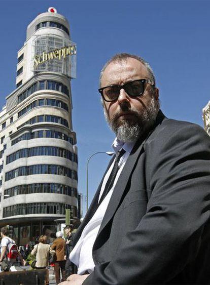 Álex de la Iglesia, fotografiado en marzo en la Gran Vía de Madrid.