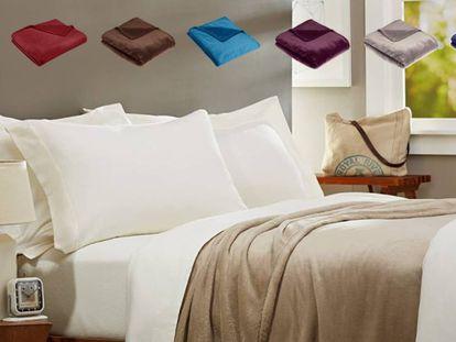 Protégete del frío en otoño con la manta aterciopelada más vendida en Amazon, disponible en ocho colores y cuatro tamaños.