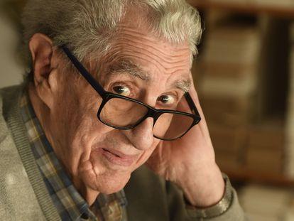 El dibujante Luis del Olmo, retratado en Bilbao en 2019. FOTO  LUIS ANGEL GOMEZ