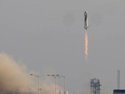 Lanzamiento del cohete New Shepard de Blue Origin.