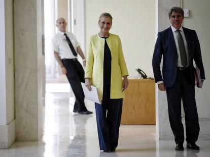 Cristina Cifuentes y Ángel Garrido, cuando ambos eran presidenta y consejero de Vicepresidencia, respectivamente.