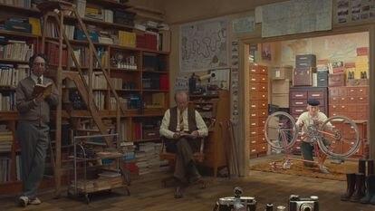 Wally Wolodarsky, Bill Murray y Owen Wilson, en 'La crónica francesa'.