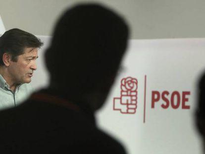 Javier Fernandez, presidente de la gestora del PSOE, ayer en Madrid