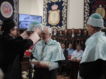 Investidura de Forges como Doctor 'Honoris Causa' en la Universidad de Alcala, en enero de 2016.