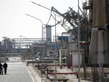 El complejo petroquímico de la empresa IQOXE, en La Canonja.