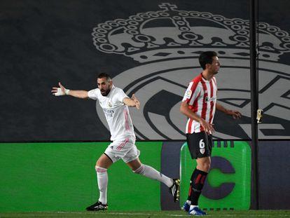 Benzema celebra su primer gol ante el Athletic este martes en Valdebebas.
