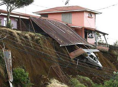 Un seísmo de magnitud 6,1 deja un rastro de destrucción y muerte en Costa Rica