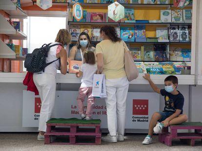 Caseta de libros infantiles en la Feria del Libro de Madrid.