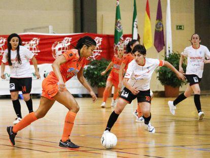 Jennifer Rodrigues, del Burela, en un partido de Liga de la temporada pasada.
