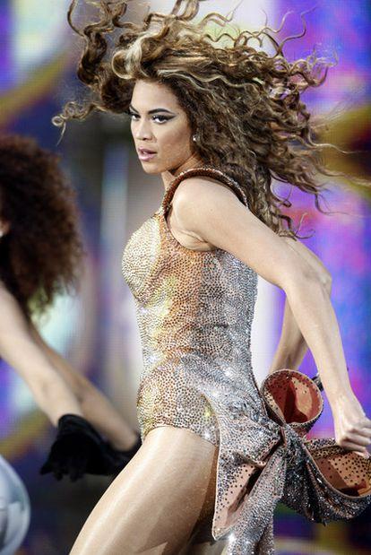 Beyoncé, quien donó a las víctimas de Haití el millón de dólares que cobró de Gadafi.