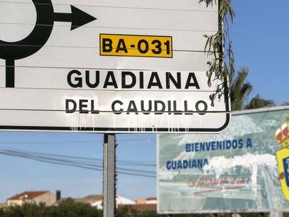 Un cartel de carretera marca el desvío hacia Guadiana.
