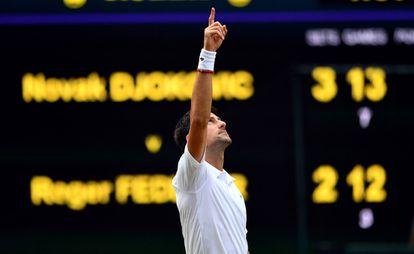 Djokovic celebrando su victoria frente Federer.