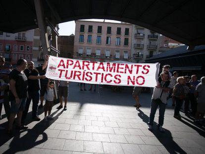 Manifestacion de vecinos de la Barceloneta contra los pisos turisticos.