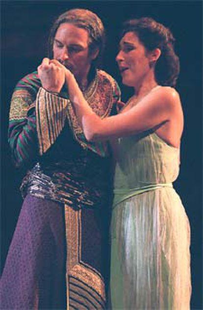 Representación de <b></b><i>Così fan tutte,</i> en el Teatro Real de Madrid.