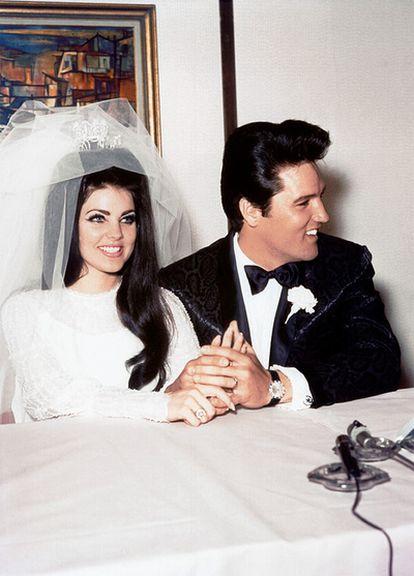 El 'rey del rock' se casó con Priscilla Beaulieu en Las Vegas el 26 de mayo de 1967. Tuvieron una hija, Lisa Marie, y se separaron en 1972.