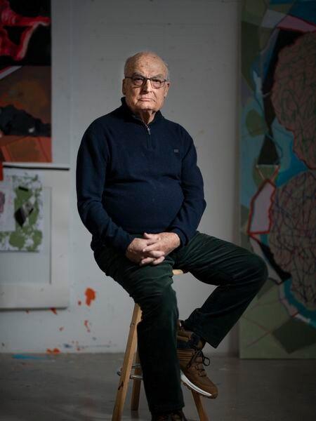 El artista Luis Gordillo, retratado el martes en su estudio de Madrid.    Foto: Inma Flores