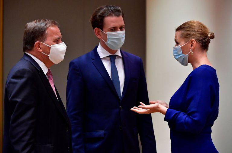El primer ministro de Suecia, el canciller de Austria y la primera ministra de Dinamarca, durante la cumbre de la UE en Bruselas.
